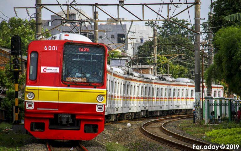 KRL Commuter Line (KAORI Nusantara/Farouq Adhari)